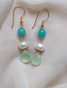Cercei lungi, eleganti, verde,ivoire si auriu Pearl Earrings, Drop Earrings, Pearls, Color, Jewelry, Pearl Studs, Jewlery, Jewerly, Beads