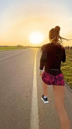 Gym Workout For Beginners, Workout Videos, Fitness Workouts, Power Tower, Kickboxing Workout, Martial Arts Workout, Gymnastics Workout, Instagram Life, Running Motivation