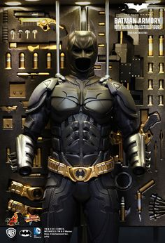 Hot Toys : The Dark Knight - Batman Armory (with Batman Collectible Figure) 1/6th scale Collectible