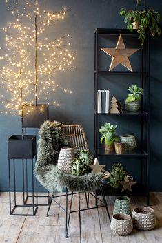 Japanese Living Rooms, Xmas, Christmas, Advent, Bookcase, Shelves, Home Decor, Interiors, Fall Winter