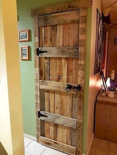 Some Different Ideas with Used Pallets - Pallet Diy Some Different Ideas with Used Pallets rustic look pallet door The post Some Different Ideas with Used Pallets appeared first on Pallet Diy. Wooden Pallet Projects, Wooden Pallet Furniture, Wooden Pallets, Rustic Furniture, Diy Furniture, Pallet Ideas, Antique Furniture, Outdoor Furniture, Furniture Stores