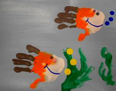 Handprints and fish Crafts For Kids To Make, Art For Kids, Tapas, Paper Fish, Arts And Crafts, Diy Crafts, Handprint Art, Valentines For Kids, Summer Crafts
