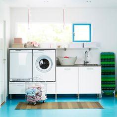 Vask og tørk kan med fordel settes litt opp i høyden. Closet Door Storage, Bra Storage, Storage Shelves, Tank Top Storage, Diy Nightstand, Built In Wardrobe, Other Rooms, Interior Design Inspiration, Storage Solutions