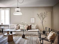 Home Interior Decoration Ideas Beige Living Rooms, Beautiful Living Rooms, Living Room Decor, Living Room Inspiration, Interior Inspiration, Scandinavian Apartment, Scandinavian Style, White Couches, Décor Boho