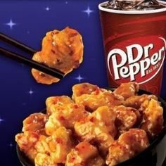 Panda Express Orange Chicken + 42 Home Recipes Of Famous Foods.Big Mac Sauce, Chick Fil Sandwich, Cheese Cake Factory Pumpkin cheesecake, Red Lobster and Copycat Recipes, Great Recipes, Favorite Recipes, I Love Food, Good Food, Yummy Food, Tasty, Orange Chicken Copycat Recipe, Do It Yourself Food