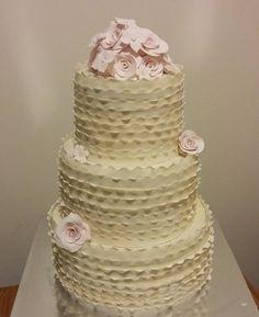 #cakes #bridelshower #shabbychic by tiffanymcbryson