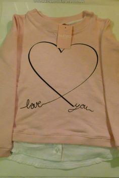 Shirt Print Design, Shirt Designs, Cute Tshirts, Tee Shirts, Paint Shirts, T Shirt Painting, Girls Blouse, Shirts For Girls, Kids Fashion