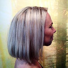 •blonde up• #killerscut #fridashaircut #reverbbrands #evohair #hairstyles #hairdresser #blondhairdontcare #instahair #instaphoto #photographer #photo #beauty #boom