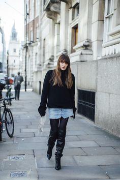 London Fashion Week Street Style Fall 2018 Day 2 - The Impression Fashion Editor, Fashion Week, Womens Fashion, Autumn Street Style, Street Style Looks, Outfit Invierno, Cool Street Fashion, London Fashion, Jeans