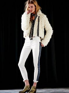 the shaggy sherpa jacket Skinny, Autumn Winter Fashion, Autumn Style, Winter Wear, Casual Chic Style, Boho Outfits, Style Guides, Free People, Street Style