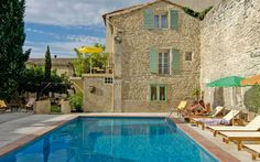 Featuring an internal courtyard with an outdoor pool and deckchairs, Gounod is a hotel set in the heart of Saint-Rémy-de-Provence, 18 km from Avignon. Oh The Places You'll Go, Great Places, Places To Travel, Beautiful Places, Places To Visit, Aix En Provence, Haute Provence, Antibes, Corsica