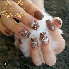 Brown and beige with white design for fall Easter Nail Designs, Nail Art Designs, Long Nail Art, Rose Nails, Luxury Nails, Beautiful Nail Designs, Nail Art Hacks, Creative Nails, Nail Arts