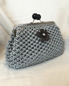 Silver Nylon Cord Clutch Handmade Crochet by CaitiHandmade Etsy Crochet Clutch Bags, Crochet Wallet, Crochet Coin Purse, Crochet Handbags, Crochet Purses, Filet Crochet, Diy Crochet, Vintage Crochet, Crochet Stitches
