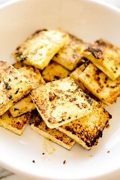 Just five ingredients (salt included) stand between you and this simple vegan halloumi cheese. Just like the original, this halloumi is deliciously salty with a subtle cheesy tang. Serve it on sandwiches, over salads, or all on its own Vegan Cheese Recipes, Vegan Foods, Vegan Dishes, Vegan Vegetarian, Vegetarian Recipes, Healthy Recipes, Best Vegan Recipes Dinner, Best Vegan Cheese, Vegan Raw