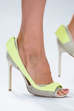 Top 7 Shoe Trends For Spring 2015 The Top 8 Shoe Trends For Spring 2015 (Updated!): Paging all shoe-lovers — and that's all of us, right?The Top 8 Shoe Trends For Spring 2015 (Updated!): Paging all shoe-lovers — and that's all of us, right? Carolina Herrera, Cute Shoes, Me Too Shoes, Shoe Boots, Shoes Heels, Spring 2015 Fashion, Shoes 2015, Estilo Fashion, Spring Shoes