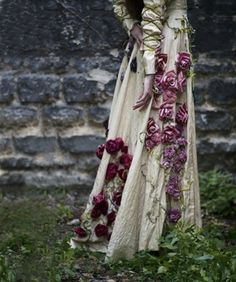 A dress where roses grow