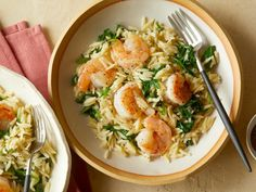 Lemony Shrimp Scampi with Orzo and Arugula. Use grated zucchini or zoodles instead of orzo. Arugula Recipes, Orzo Recipes, Seafood Recipes, Cooking Recipes, Healthy Recipes, Healthy Dinners, Giada Recipes, Dinner Recipes, Quick Meals