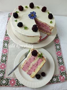 Aleda konyhája: Szedres torta - Tort cu mure Blackberry Cake, Cheesecake, Pudding, Recipes, Vaj, Food, Hungary, Caramel, Meal
