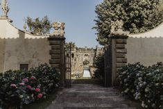 plan your wedding day at the majestic Villa Gamberaia, in the heart of Tuscany Best Wedding Planner, Destination Wedding Planner, Post Wedding, Plan Your Wedding, Luxury Wedding, Dream Wedding, Italy Wedding, Tuscany, Event Planning