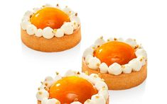 Apricot and Sublime with Almond Tartlet - Pastry and bakery - Elle & Vire Professionnel Fancy Desserts, No Cook Desserts, Dessert Recipes, Sweet Desserts, Pastry And Bakery, Pastry Cake, Individual Cakes, Almond Cream, Sweet Tarts