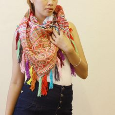 triangle scarf w/tassels 62