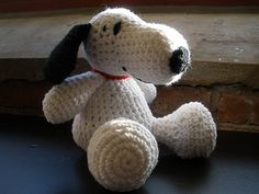 Free crochet Snoopy Pattern from http://homeeconomistmelissa.blogspot.com/2011/02/crochet-is-fun-charlie-brown.html#.