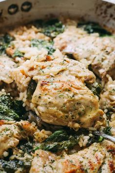 One Pot Ranch Chicken and Rice - Diethood-One Pot Ranch Chicken and Rice - Easy, quick, and delicious ranch flavored chicken cooked in one pot with rice and spinach. Rice In Crockpot, Crockpot Chicken Thighs, Chicken Thigh Recipes, Ranch Chicken, Chicken Rice, Chipotle Chicken, Lime Chicken, Chicken Casserole, Baked Chicken