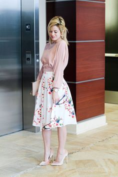 Love // A classic Valentine's Day inspired look, not that we need this time of year as an excuse to wear primarily blush pink. Outfit details are on today's post: http://www.theknottedchain.com/love/ cc: @make me chic