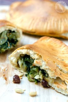 Raw Food Recipes, Meat Recipes, Wine Recipes, Calzone, Salty Cake, Spanakopita, Junk Food, Healthy Tips, Biscotti