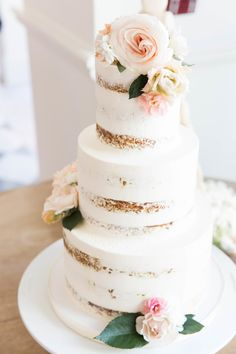 Floral topped naked cake: http://www.stylemepretty.com/2016/05/22/stephanie-sterjovski-bridal-shower-brunch/ | Photography: annawithlove - http://annawithlovephotography.com/