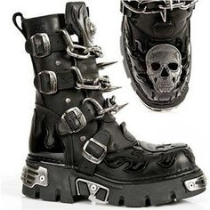 New Rock Boots w/ Patent Flames, Skull, Chains & Spikes New Rock Stiefel mit Patent Flames, Skull, Chains & Spikes Goth Boots, Biker Boots, Combat Boots, Punk Outfits, Gothic Outfits, Cute Shoes, Me Too Shoes, New Rock Boots, Gothic Shoes
