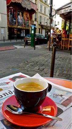 Espresso in Paris (health bar cafe) I Love Coffee, Coffee Break, My Coffee, Morning Coffee, Espresso Coffee, Coffee Town, Coffee In Paris, Coffee Music, Espresso Maker