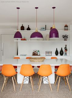Flooring is an oft-overlooked yet essential component of home design. Getting it right can bring an entire aesthetic scheme together, so read on! Decor, Room Design, Interior, Dining Room Design, Salas Living Room, Dinner Room, Sweet Home, Interior Design, Kitchen Design