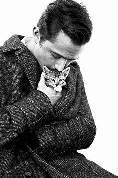 Here's Joseph Gordon-Levitt Cuddling A Kitten - BuzzFeed Mobile