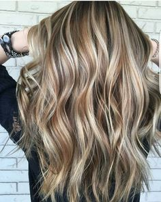 Side Swept Waves for Ash Blonde Hair - 50 Light Brown Hair Color Ideas with Highlights and Lowlights - The Trending Hairstyle Fall Blonde Hair Color, Ash Blonde Hair, Hair Color Balayage, Brown Hair Colors, Blonde Balayage, Hair Highlights, Darker Blonde, Hair Lights, Light Brown Hair