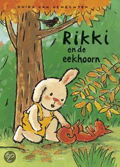Het is herfst in het bos. Rikki is op zoek naar kastanjes, maar vindt op de grond ook een eekhoorn. Slaapt hij? Is hij ziek of heeft hij zijn pootje gebroken? Rikki haalt zijn vriendinnetje Anni erbij en samen brengen ze de eekhoorn naar Rikki's mama. Die ziet meteen wat er aan de hand is.    Plaats in de bib: Peuters en kleuters tot 5 jaar (gele stip) GENE 28 GEEL 4+