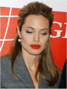 Angelina Jolie Makeup, Brad And Angelina, Hollywood Actress Photos, Executive Woman, Provocateur, Milla Jovovich, Brad Pitt, Hollywood Stars, Most Beautiful Women