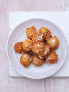 Yemeni sweet fritters