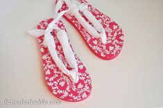Diy Flip Flops.  I am so doing this to my old flip flops.