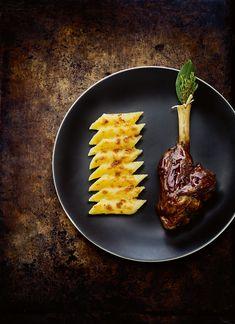 Souris d'agneau braisée, gratin de macaroni par Guy Savoy