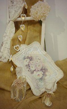 Χειροποίητος Ιταλικός ξύλινος Δίσκος με vintage Μποτίλια - Ποτήρι! Wedding Glasses, Our Wedding, Burlap, Reusable Tote Bags, Vintage, Hessian Fabric, Canvas