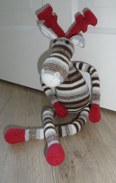crocheted reindeer - nice for Christmas OR maybe sock reindeer for christmas? Sock Crafts, Crochet Crafts, Christmas Projects, Crochet Yarn, Holiday Crafts, Fun Crafts, Crochet Dolls, Christmas Stuff, Yarn Projects