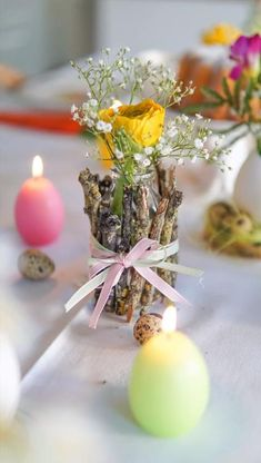 Einfache Tischdeko zum Nachmachen! Für Eure Ostertafel oder auch einfach nur so... Ostern Party, Diy Ostern, Dinner Party Decorations, Easter Table Decorations, Diy Crafts Hacks, Diy Crafts To Sell, Bird Crafts, Easter Crafts, Plastic Container Crafts