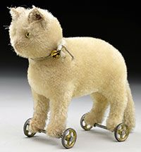 1909 17cm steiff cat on wheels