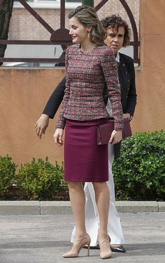 Classy Outfits, Cool Outfits, Fashion Outfits, Womens Fashion, Over 60 Fashion, Estilo Real, Work Suits, Professional Dresses, Queen Letizia