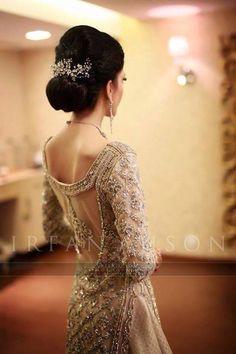 Gorgeous Bridal Details, Irfan Ahson Wedding Photography - indian wedding  - love her hair http://www.pinterest.com/JessicaMpins/