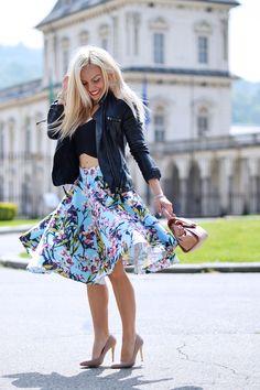 flower skirt, gonne a ruota, come indossare le gonne a fiori, top crop tendenza primavera/estate 2015, outfit per la primavera - fashion blogger It-Girl by Eleonora Petrella