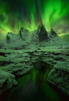 Green mist, aurora, greenland