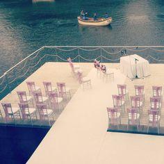 The feeling of a lake is sooo romantic! How about a pier, built on a lake, as a wedding venue?  A tóparti hangulat annyira romantikus, nem igaz? :) Mit szólnál a tóra épült stéghez, mint esküvői helyszínhez?