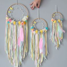Dreamcatcher-sizes (to-put-in-all-catches-photos) - Dreamcatcher-sizes (to-put-in-all-catches-photos) - Diy Dream Catcher For Kids, Dream Catcher Decor, Dream Catcher Boho, Diy Tumblr, Crafts For Teens, Diy For Kids, Couronne Diy, Diy Dream Catcher Tutorial, Diy Presents